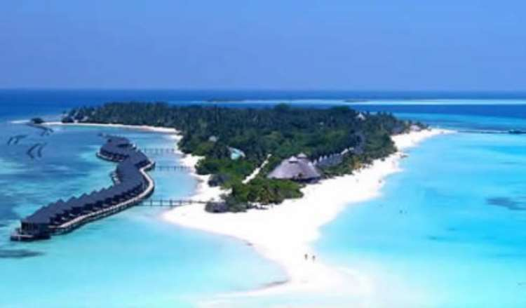 Breathtaking Maldives: Top 10 Luxury Resorts That'll Spoil You