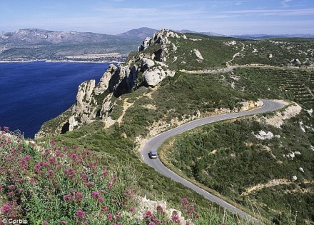 road trip exploring french wonders scenic driving routes in france. Black Bedroom Furniture Sets. Home Design Ideas
