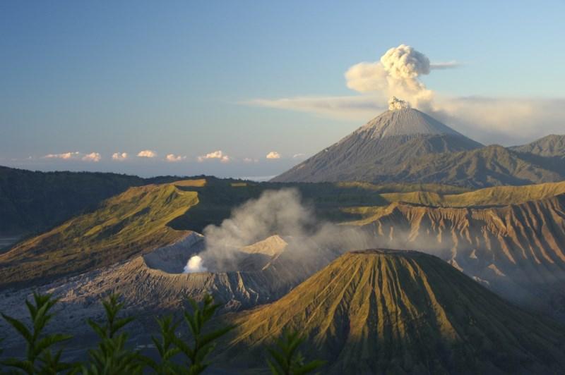 10 Stunning Volcanoes from around the World